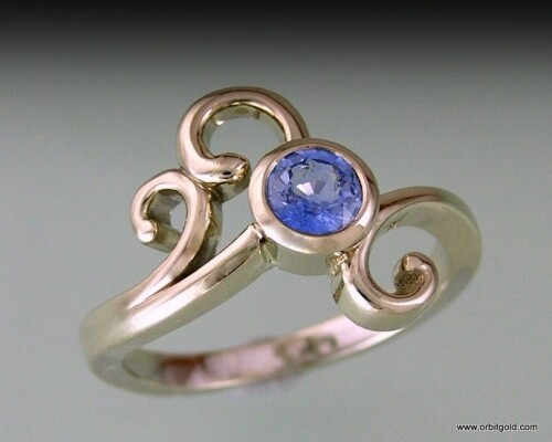 Ferns Sapphire Whitegold Dress Ring