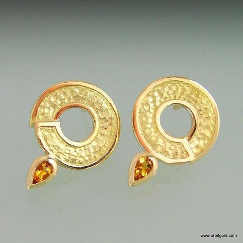 18k gold earstuds ORBIT with drop shaped Citrine gemstones