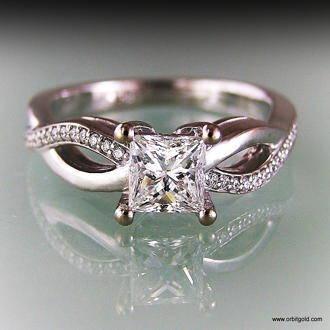 topview of Infinity style princess diamond ring