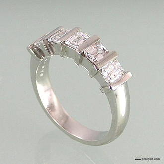 angle view of bar set diamond 5 stone ring